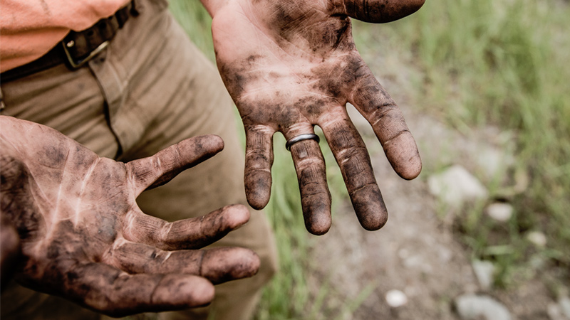 dirty hands result in contact infections